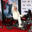 """Stan Lee a la premiere du film """"Thor : le monde des ténèbres"""" au cinema El Capitan a Hollywood. Le 4 novembre 2013"""
