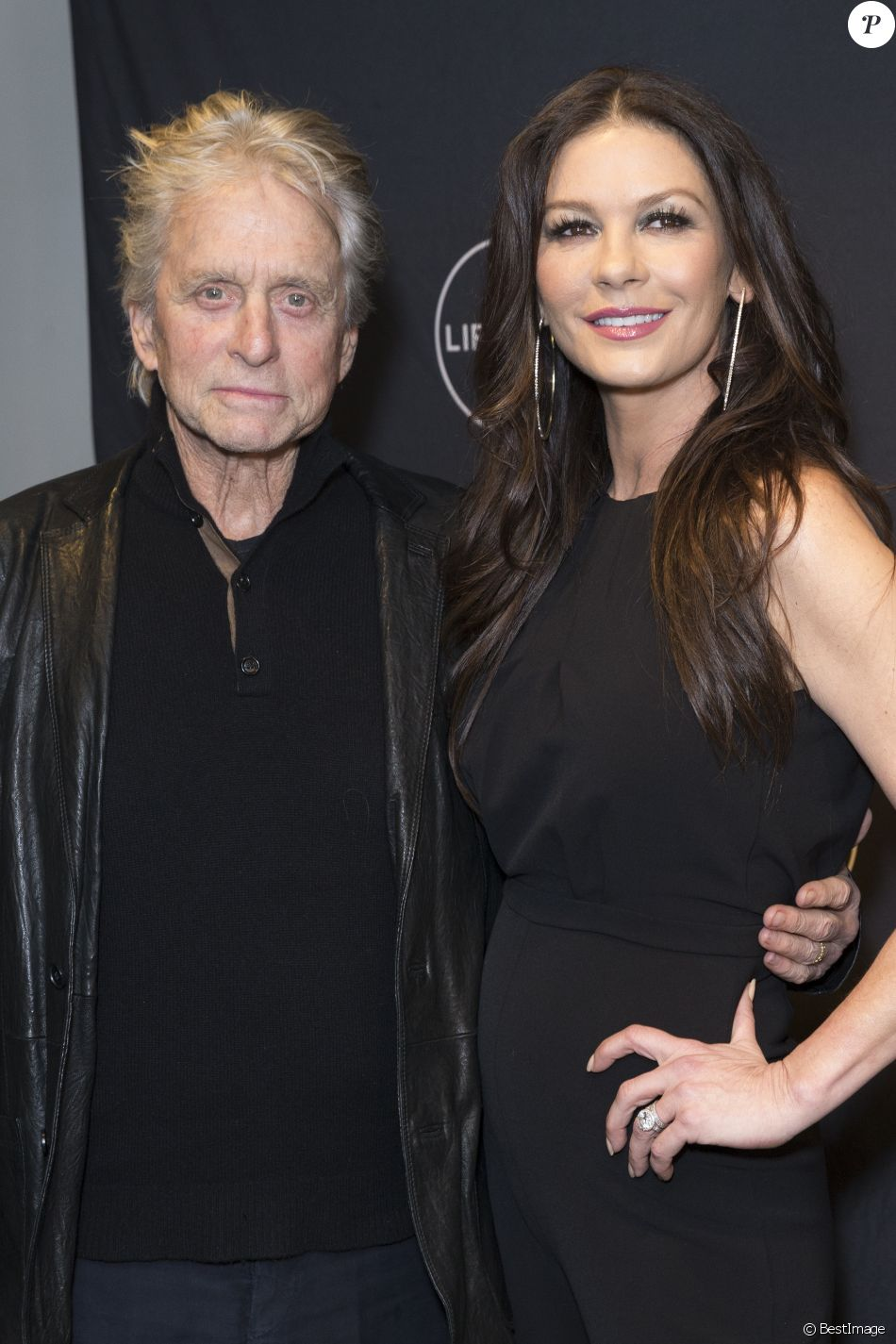 "Michael Douglas et sa femme Catherine Zeta-Jones - Projection du film ""Cocaine Godmother: The Griselda Blanco Story"" au NeueHouse Madison Square à New York City, New York, le 30 novembre 2017."