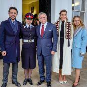 Salma de Jordanie, 18 ans : En uniforme et en famille à Sandhurst, Rania fière
