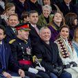 Le prince héritier Hussein de Jordanie, le roi Abdullah II, la reine Rania et la princesse Iman le 24 novembre 2018 à l'académie militaire royale de Sandhurst en Angleterre lors de la parade de fin de formation de la princesse Salma de Jordanie.