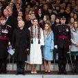 Le prince Hussein, le roi Abdullah II de Jordanie, la reine Rania et la princesse Iman le 24 novembre 2018 à l'Académie militaire royale de Sandhurst en Angleterre pour la parade de fin de formation de la princesse Salma de Jordanie.