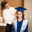 La reine Rania de Jordanie avec sa fille la princesse Salma le 22 mai 2018 lors de leurs préparatifs avant la remise de diplôme de l'International Amman Academy. Photo Instagram Rania de Jordanie.