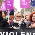Muriel Robin lors de la manifestation organisée contre les violences faites aux femmes dans le quartier de l'Opéra à Paris, le 24 novembre 2018. © CVS/Bestimage