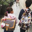 Mélissa Theuriau a posté une photo de ses enfants Lila (7 ans) et Léon (10 ans) le jour de la rentrée des classes. Septembre 2018.