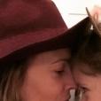 Drew Barrymore se confie sur son divorce et sa vie de mère célibataire avec ses filles Olive et Frankie.