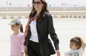 Rania de Jordanie : avec ses enfants, la plus belle des reines a la tête... dans les nuages !