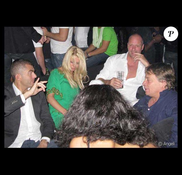 Tara Reid, défoncée lors d'une soirée au VIP Room de Cannes