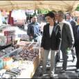 Avec Michel Barnier, tête de liste UMP en Ile-de-France pour les européennes, Rachida Dati est allée à la rencontre de l'électorat sur les marchés d'Andresy et de Chanteloup les vignes