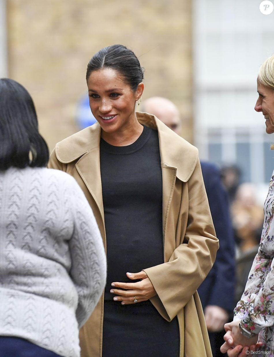 """Meghan Markle, duchesse de Sussex, enceinte, visite les locaux de l'association caritative """"Smartt Works"""" à Londres, le 10 janvier 2019."""