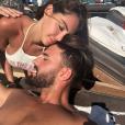 Nabilla et Thomas amoureux à Mykonos, courant août 2018.