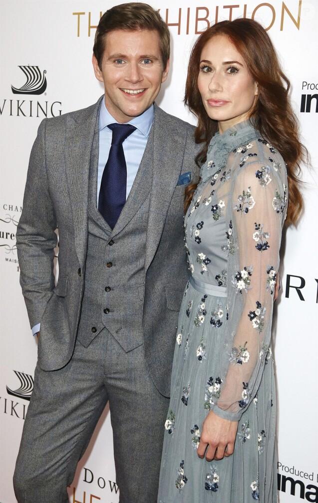 """Allen Leech et Jessica Blair Herma - Les célébrités arrivent au photocall de la soirée """"Downton Abbey: The Exhibition Gala"""" à New York le 17 novembre 2017."""