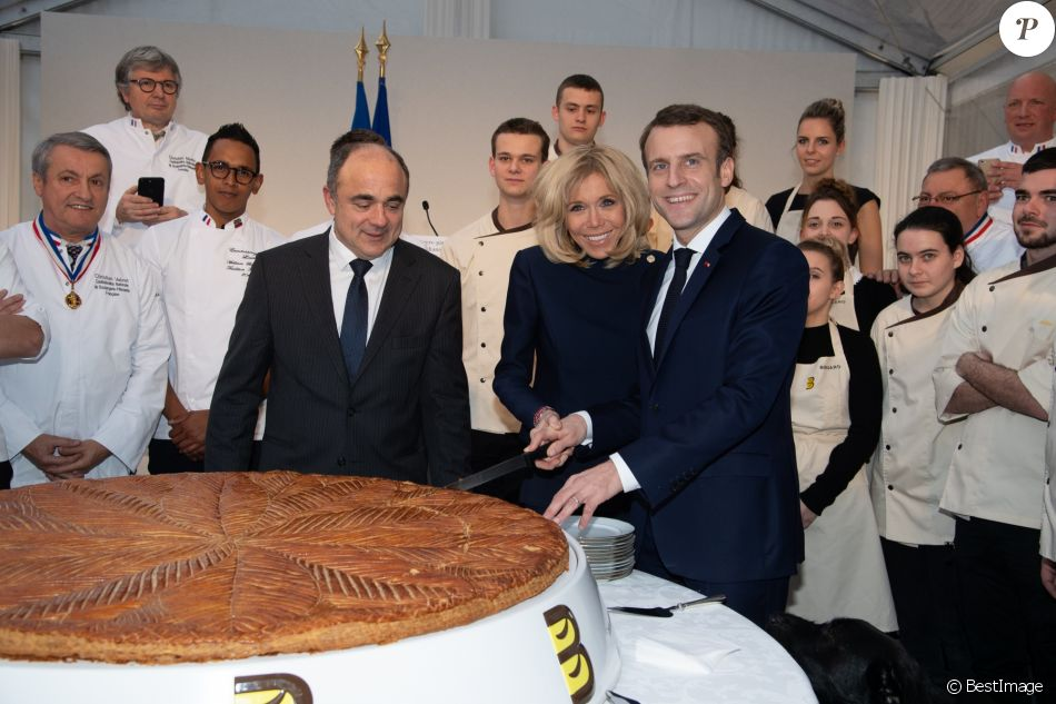 Le président Emmanuel Macron et sa femme Brigitte lors de la réception pour les maîtres boulangers pour l'Epiphanie au palais de l'Elysée à Paris le 11 janvier 2019. © Pierre Villard / Pool / Bestimage