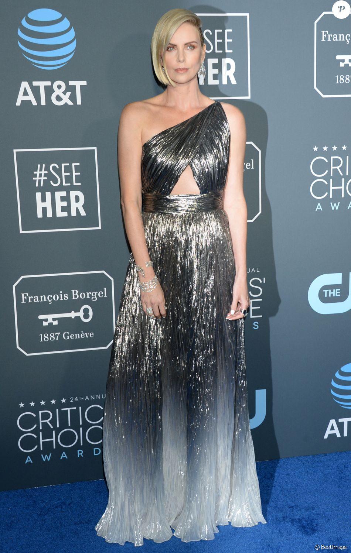 Charlize Theron au photocall de la soirée des 24ème Critics Choice Awards au Barker Hangar à Santa Monica, Los Angeles, Californie, Etats-Unis, le 13 janvier 2019.