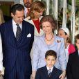 Jaime de Marichalar, la Reine Sofia  à la communion de Victoria Federica, fille de la Princesse Elena d'Espagne à Madrid
