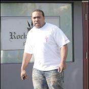 Quand Timbaland, le poids lourd du hip-hop, nous montre sa jolie bague ! Quel caillou !