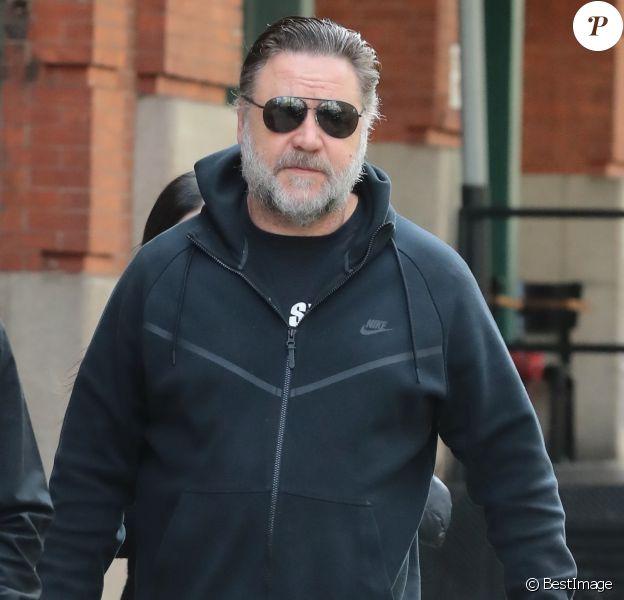 Russell Crowe à la sortie de son hôtel à New York, le 23 octobre 2018.