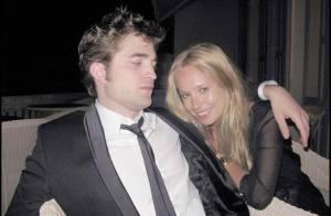 EXCLU : Le charmant Robert Pattinson est en très, très bonne compagnie ! Petit cachotier !