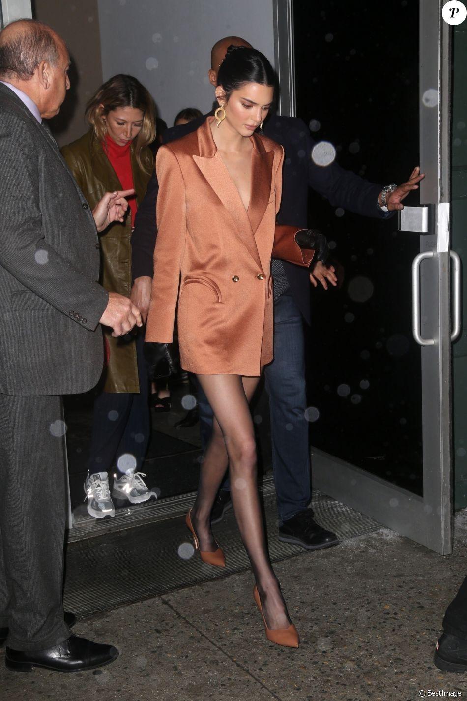 Kendall Jenner quitte la soirée de lancement de #SWWalk de Stuart Weitzman à la Fashion Week de New York. Le 12 février 2019.