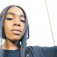 """La fille aînée de R. Kelly, Joann (20 ans), s'est exprimée pour la première fois au sujet des accusations portées contre son père dans un message publié sur Instagram le 10 janvier 2019. Elle dénonce les souffrances causées par le chanteur, pointé du doigt depuis de nombreuses années pour des faits de violences sexuelles. Joann Kelly affirme son soutien aux victimes de R. Kelly, l'accusant de """"monstre""""."""