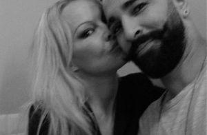 Pamela Anderson : Tendre selfie avec son chéri Adil Rami