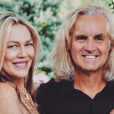 Tracy Yarro Scheff, mère de Clark Gable III (mort le 22 février 2019 à 30 ans), avec son mari Jason Scheff (bassiste de Chicago), photo publiée en octobre 2018 pour leurs 23 ans de mariage.