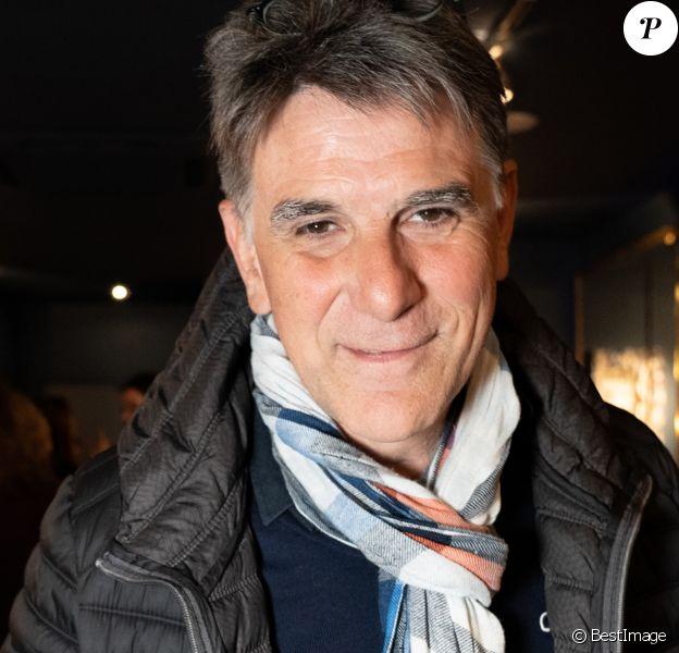 """Exclusif - L'animateur Tex - Vernissage de l'exposition """"Papertorn"""" de A.Mondy au MonParis! à Paris, France. Le 11 mars 2019. © Denis Sinoussi via Bestimage"""