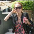 Lindsay Lohan sortant de l'hôtel de Samantha Ronson ce matin...