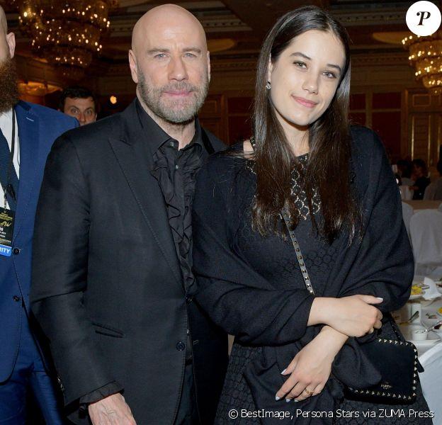 John Travolta et sa fille Ella Bleu Travolta au dîner de gala de la soirée des Bravo Music Awards au Bolchoï à Moscou le 21 mars 2019. © Persona Stars via ZUMA Press / Bestimage