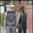 Benji Madden a de la concurrence question tatouage avec cette mystérieuse jeune femme qui l'accompagne...