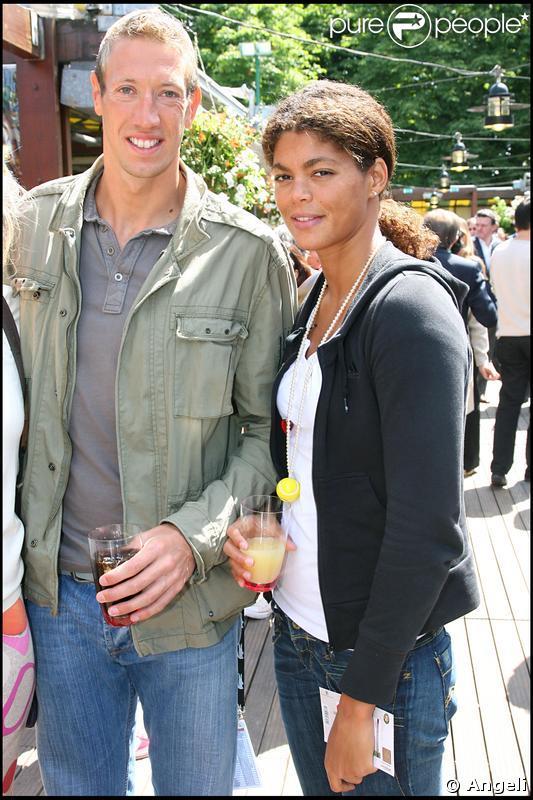 Alain Bernard et Coralie Balmy en amoureux hier à Roland-Garros