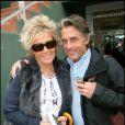 Gérard Holtz très amoureux et sa compagne Marie à Roland-Garros hier