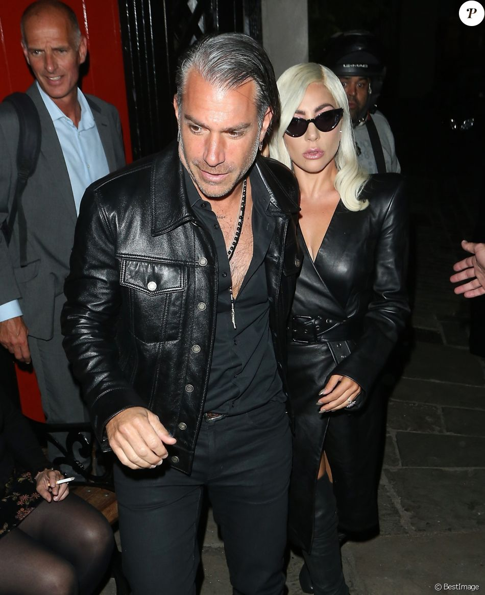 Lady Gaga et son ex Christian Carino à Londres, le 26 septembre 2018.