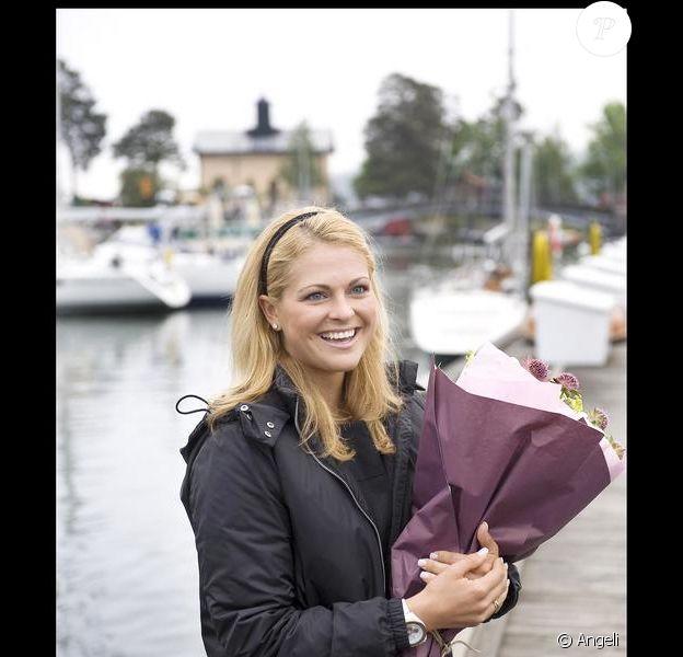 Madeleine de Suède fêtant ses 27 ans sur un bateau dans le port de Stockholm entourée de ses proches et ses amis le 10 juin 2009