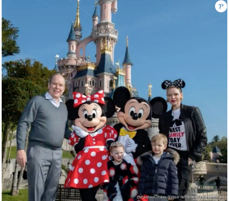 Jacques et Gabriella de Monaco ont découvert le parc Disneyland Paris, avec leurs parents Albert et Charlene de Monaco. Avril 2019.