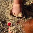 Photo du pied de Claudia, la fille de karine Ferri. Avril 2019.