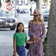 Laeticia Hallyday et sa fille Joy - Laeticia Hallyday et ses filles Jade et Joy arrivent au restaurant Gladstones pour déjeuner à Los Angeles, le 30 mars 2019.
