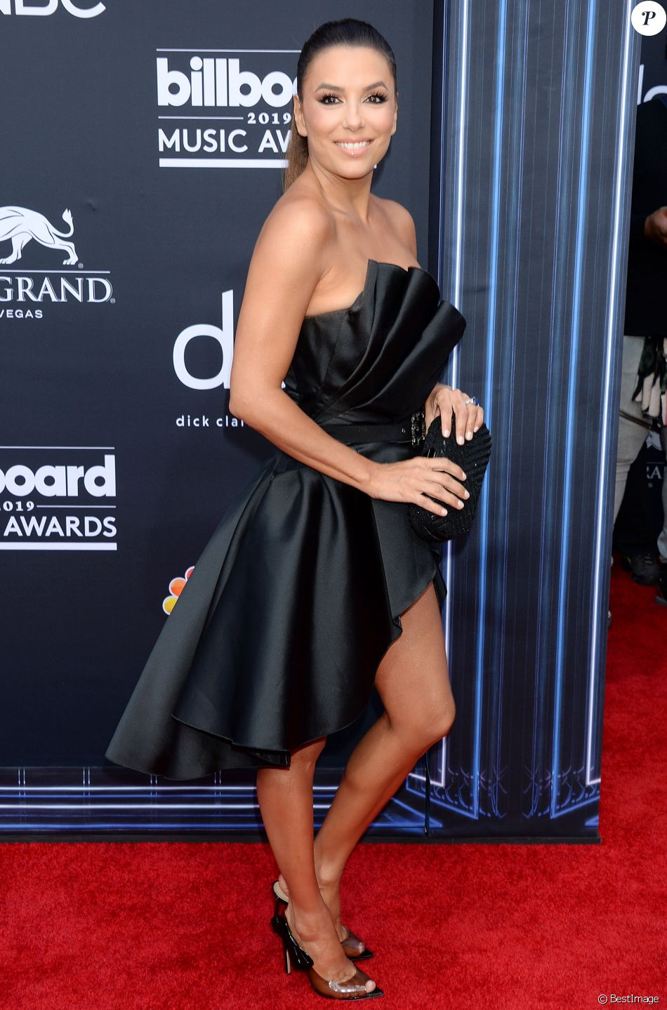 "Eva Longoria au photocall des ""2019 Billboards Music Awards"" au MGM Grand Garden Arena à Las Vegas, le 1er mai 2019.  Celebrities at the photocall of ""2019 Billboards Music Awards"" at the MGM Grand Garden Arena in Las Vegas. May 1st, 2019.01/05/2019 - Las Vegas"