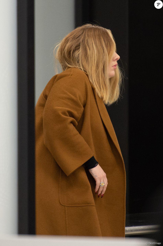 Exclusif - La chanteuse Adele arrive à l'aéroport JFK de New York City, New York, Etats-Unis, le 2 avril 2019.