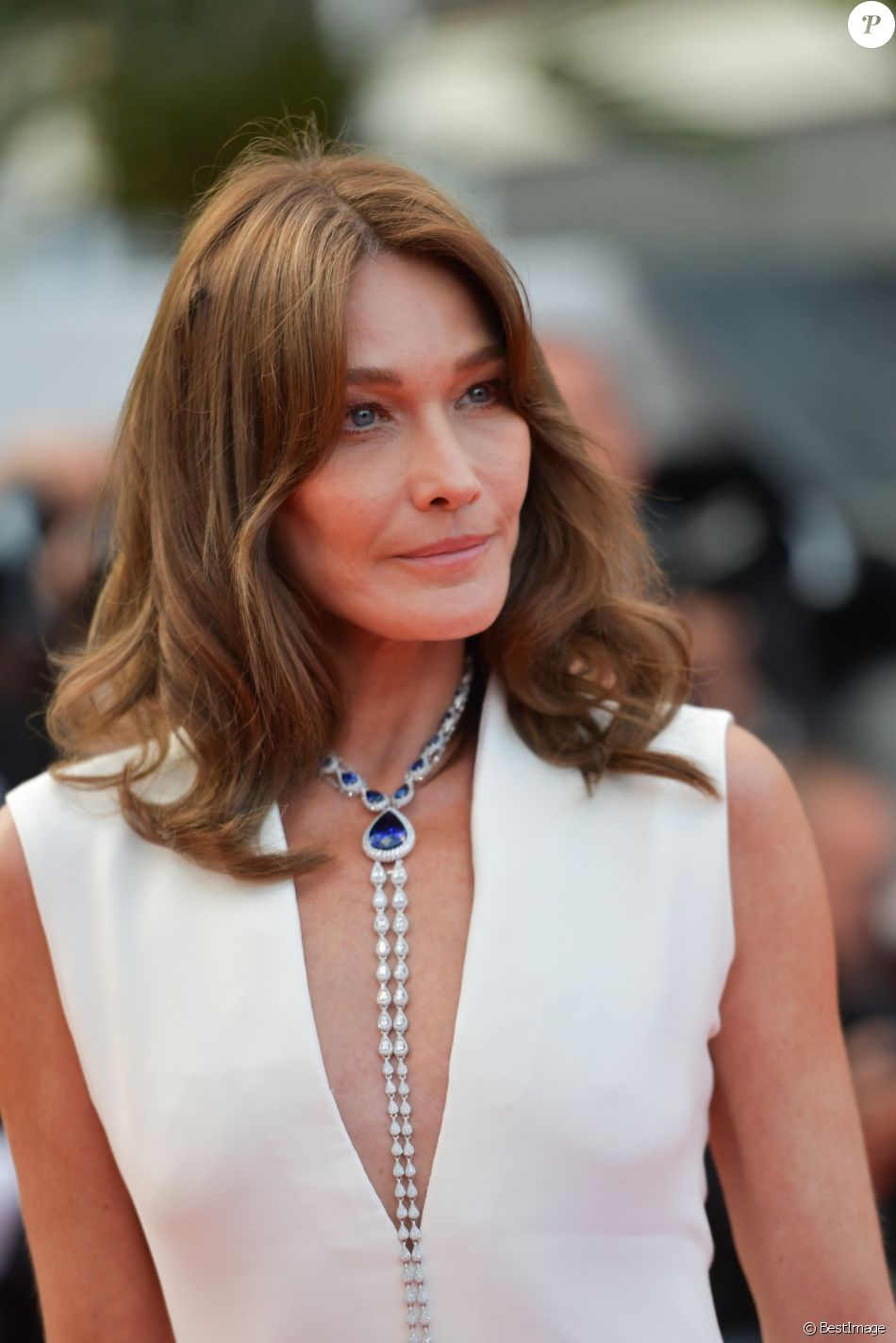 "Carla Bruni-Sarkozy (Robe Dior Haute-Couture) - Montée des marches du film ""Le Grand Bain"" lors du 71ème Festival International du Film de Cannes. Le 13 mai 2018 © Borde-Jacovides-Moreau/Bestimage"