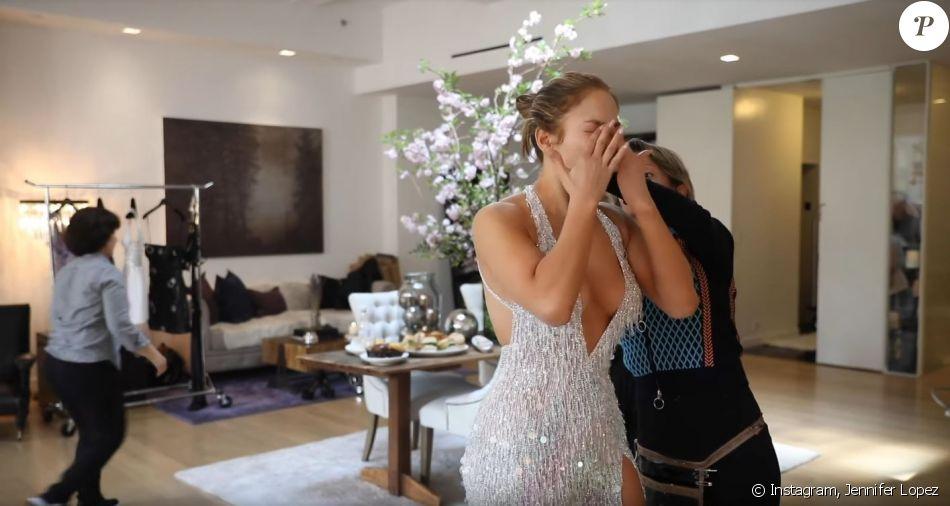 Jennifer Lopez en essayages avec Versace avant le Met Gala. Mai 2019.