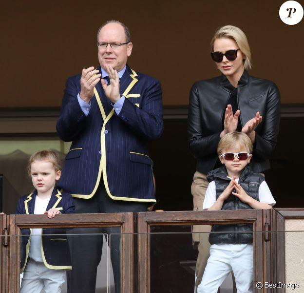 Le prince Albert II et la princesse Charlène de Monaco avec leurs enfants le prince Jacques de Monaco et la princesse Gabriella de Monaco lors de la 9ème édition du Tournoi Sainte Dévote de Rugby au Stade Louis II à Monaco, le 11 mai 2019. © Jean-Charles Vinaj/Pool/Bestimage