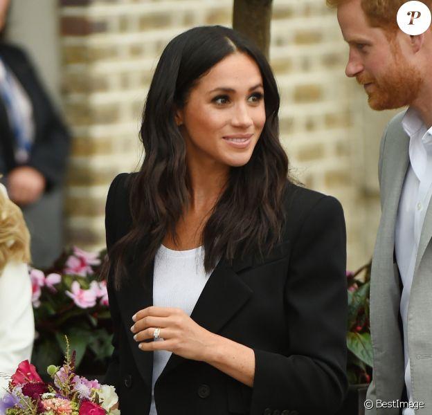 Le prince Harry, duc de Sussex et sa femme Meghan Markle, duchesse de Sussex arrivent au musée de l'émigration EPIC à Dublin le 11 juillet 2018.