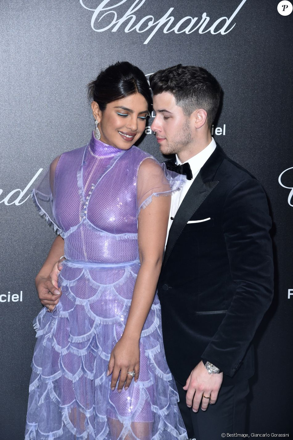 "Priyanka Chopra et son mari Nick Jonas - Photocall de la soirée ""Chopard Love Night"" lors du 72ème Festival International du Film de Cannes. Le 17 mai 2019 © Giancarlo Gorassini / Bestimage"