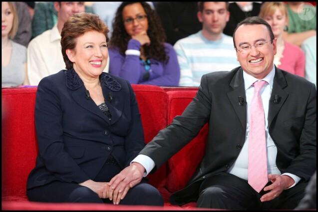Roselyne et Pierre Bachelot sur le plateau de Vivement Dimanche, en 2008