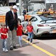 Le Prince Albert II de Monaco avec son fils le prince Jacques, Kaia- Rose, la fille de Gareth Wittstock, le frère de la princesse Charlene, et la princesse Gabriella le samedi 25 mai 2019, jour des essais qualificatifs pour le 77 ème Grand Prix de Formule 1 (F1) à Monaco. Monaco le 25 Mai 2019. © Bruno Bebert / Bestimage