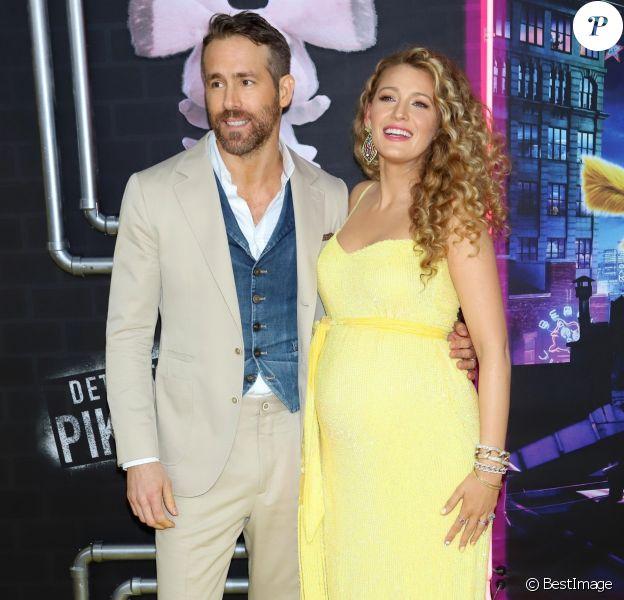 Ryan Reynolds et sa femme Blake Lively enceinte à la première de Pokemon Detective Pikachu au Military Island sur Times Square à New York, le 2 mai 2019
