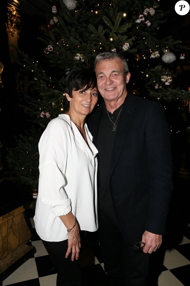 Laurence et Pierre Lemarchal (les parents de Grégory Lemarchal) lors de la réception organisée en l'honneur de l'entrée de Nikos Aliagas au musée Grévin. Paris, le 7 décembre 2016.