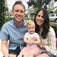 Nick Foles (quarterback des Jacksonville Jaguars en NFL) et sa femme Tori (photo Instagram), ici en juin 2018 avec leur petite Lily alors âgée d'un an (photo Instagram), ont perdu un petit garçon suite à une fausse couche de Tori en mai 2019.