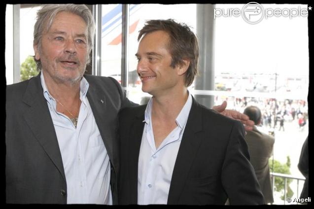 Alain Delon et David Hallyday au Salon de l'aйronautique. 17/06/09