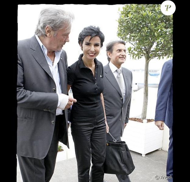 Rachida Dati Toujours élégante Avec Son Meilleur Ami Alain Delon Ils Ne Se Quittent Plus Purepeople